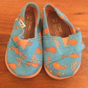 TOMS summer slippers baby walkers